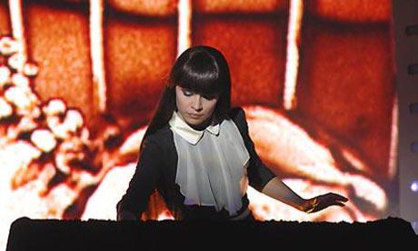Kseniya-Simonova-001